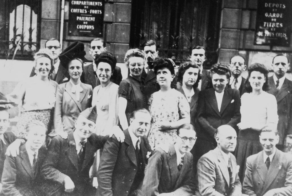 Le personnel du CCF de la succursale de Lille, années 40. HSBC France, Archives historiques.