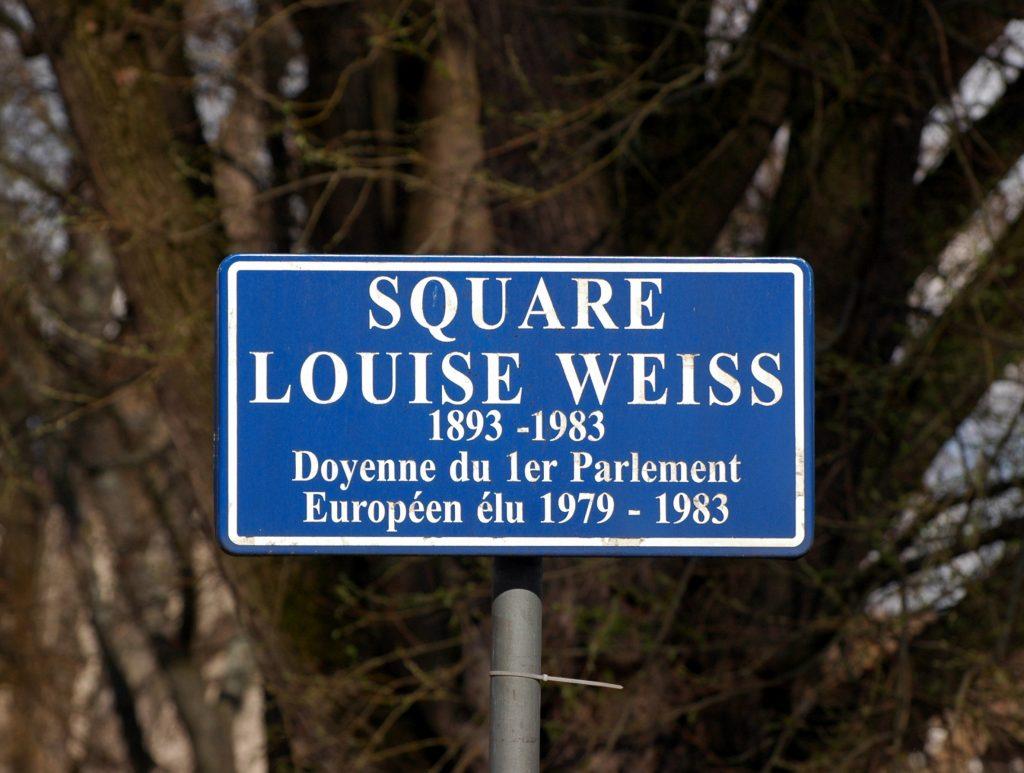 Square Louise Weiss, parlement européen. Source : Radosław Drożdżewski