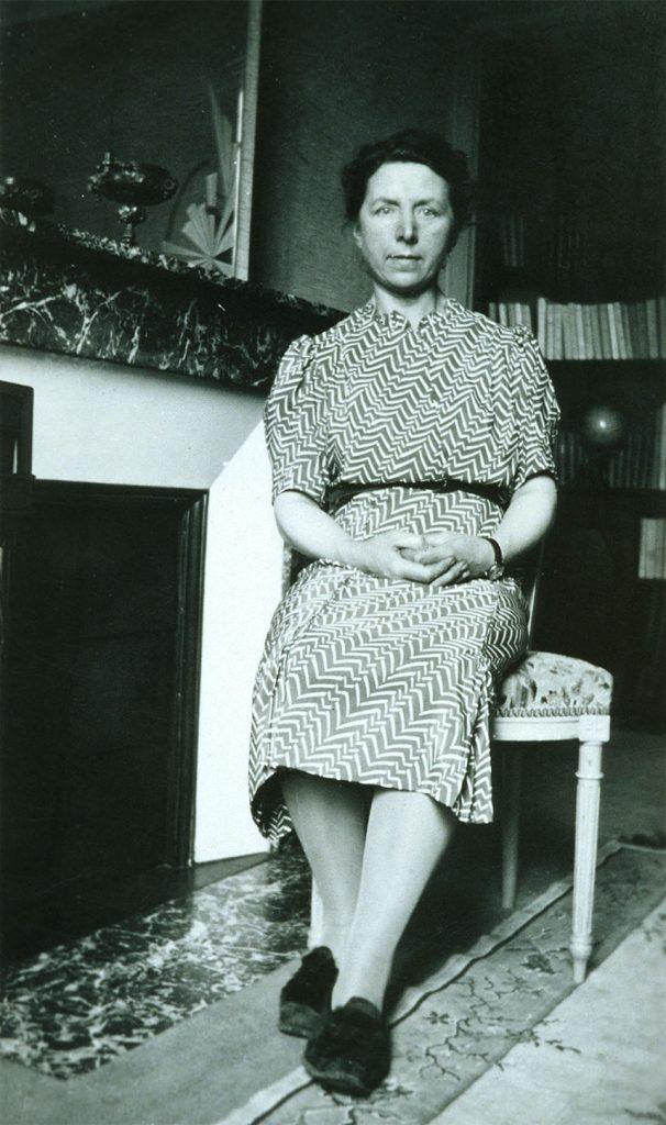 Légende : Photographie de Louise Tallerie. Crédit Agricole S.A., Archives historiques.
