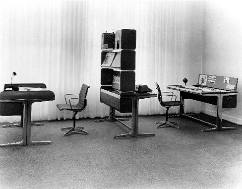 "« Le légendaire ""Action Office 1"", créé en 1964 par Robert Propst et George Nelson. Photo © Herman Miller. »"